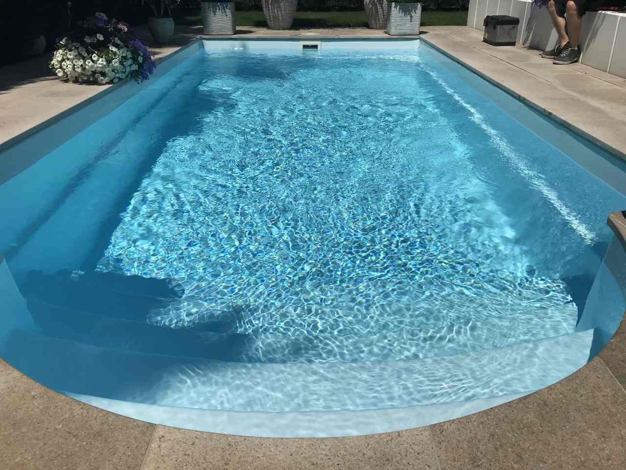Vogel pool gmbh schwimmbecken aus polypropylen gfk und for Garten pool wanne